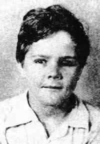 Henry Lee Lucas was a sickly boy growing up. His body odor was repulsive, most likely a result of the poison-related illnesses.
